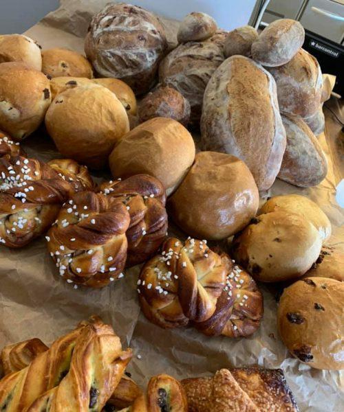 Bakevarer for salg. Foto.